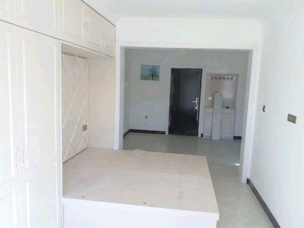 小南沟两室3楼精装房全款不能按揭