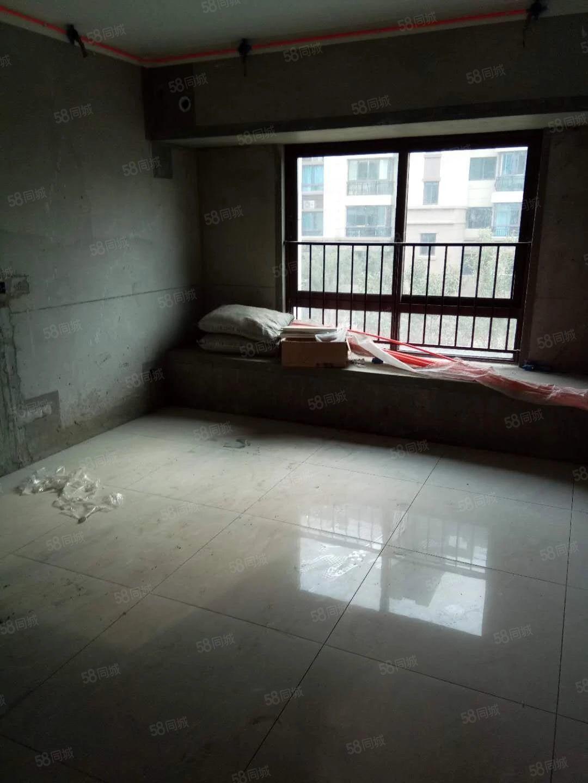 明珠广场小区出入方便适宜居家