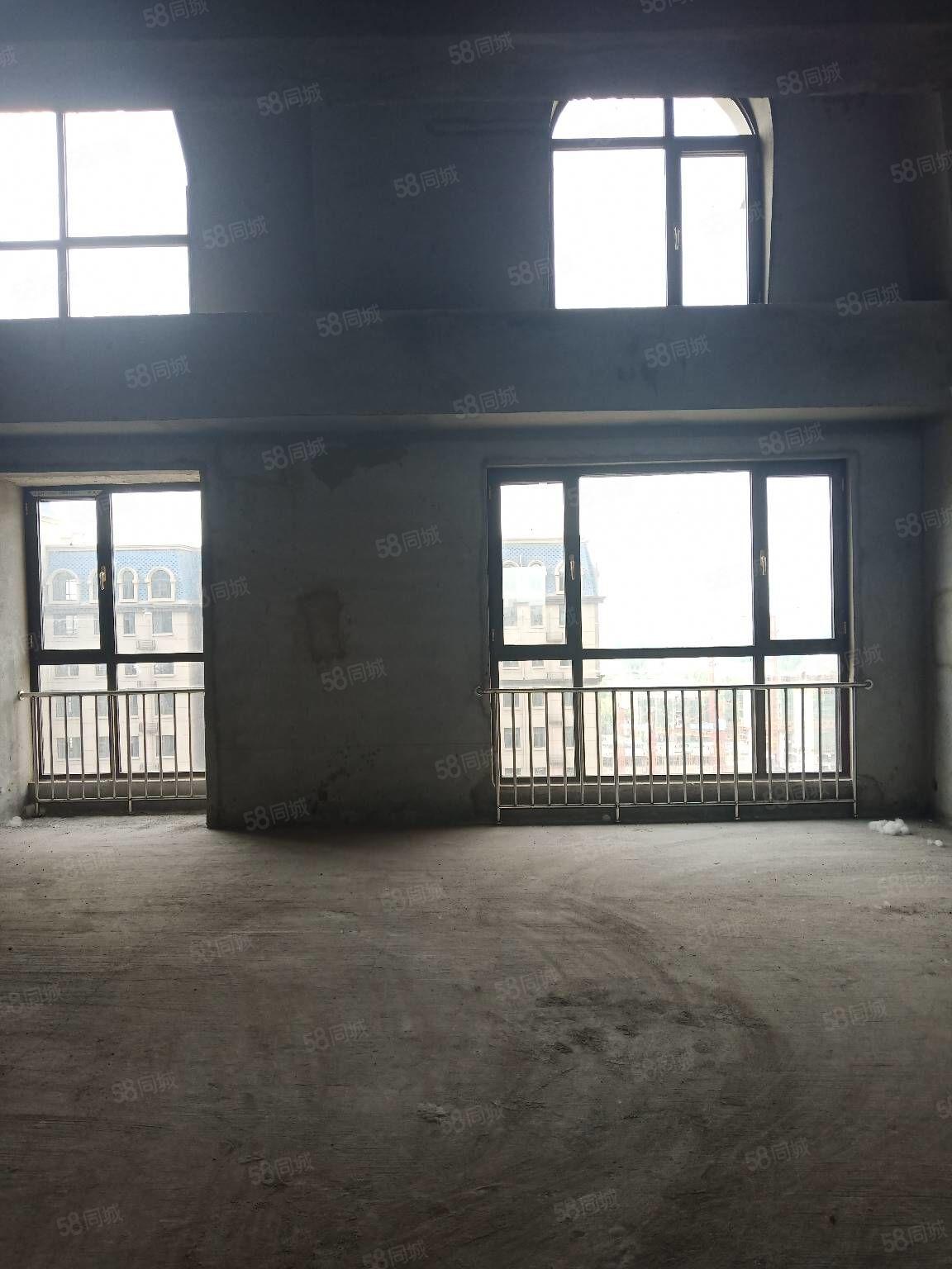銀河君庭復式房5室2廳4衛