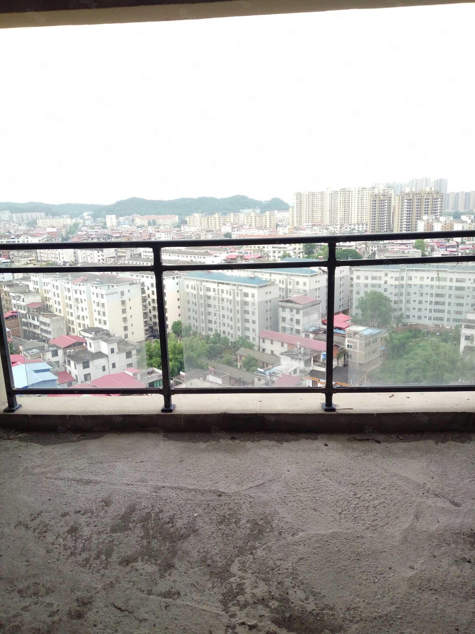 桃江龙城三房二厅二卫毛坯电梯出售