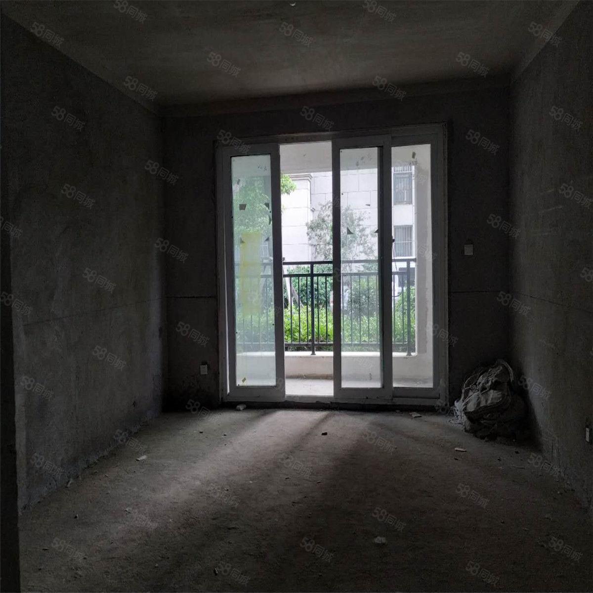 现代城大二期1楼毛坯下面有车库不潮户型端正随时过户随时看