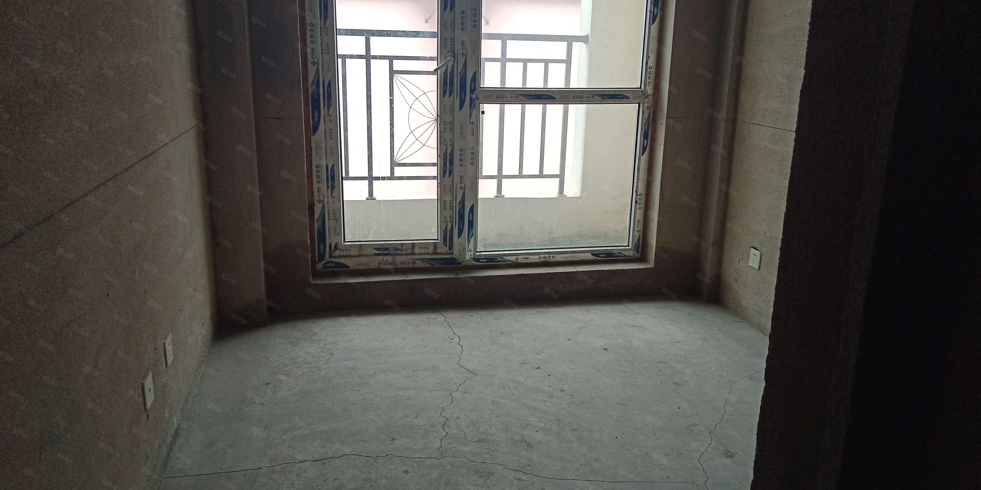 金宇园新小区清水房两室电梯中层