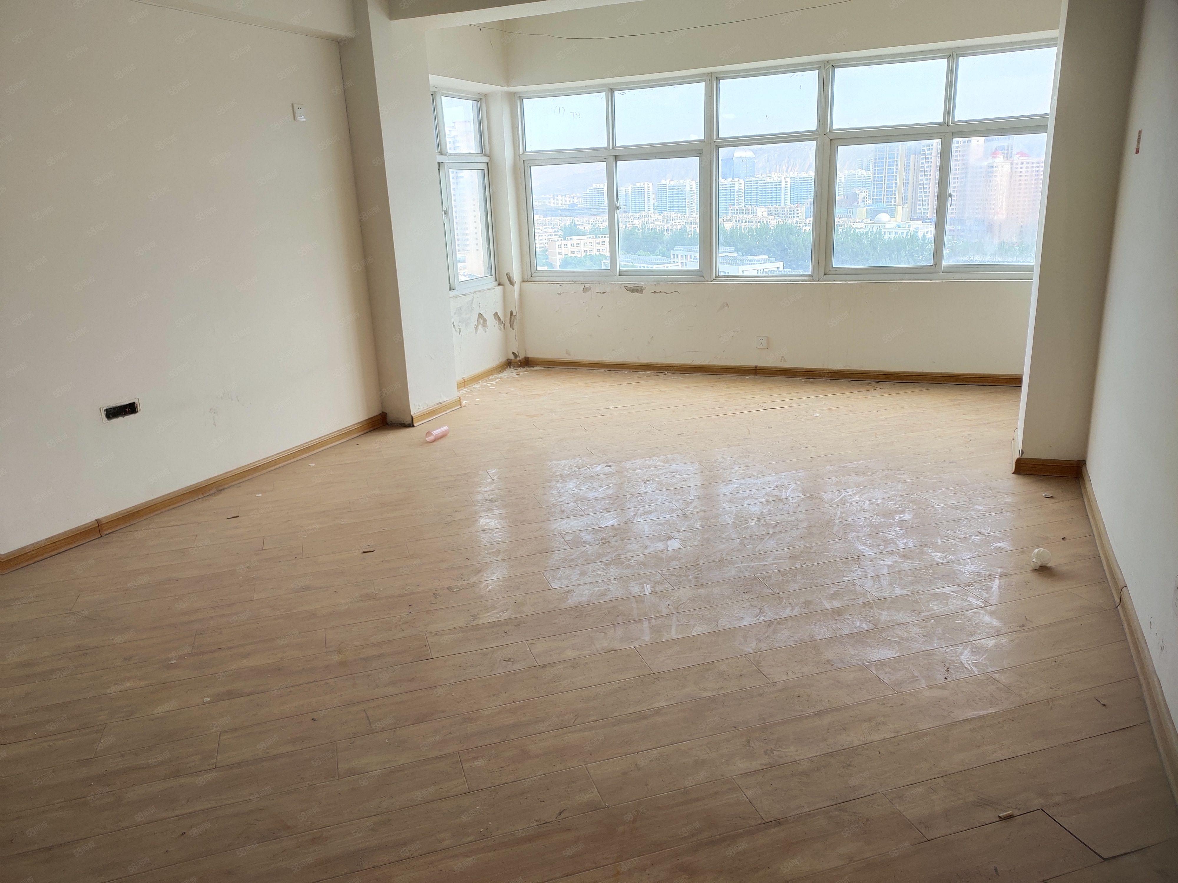 跳楼价急售新宏图家园高层 115平米 3室 简单装修可按揭