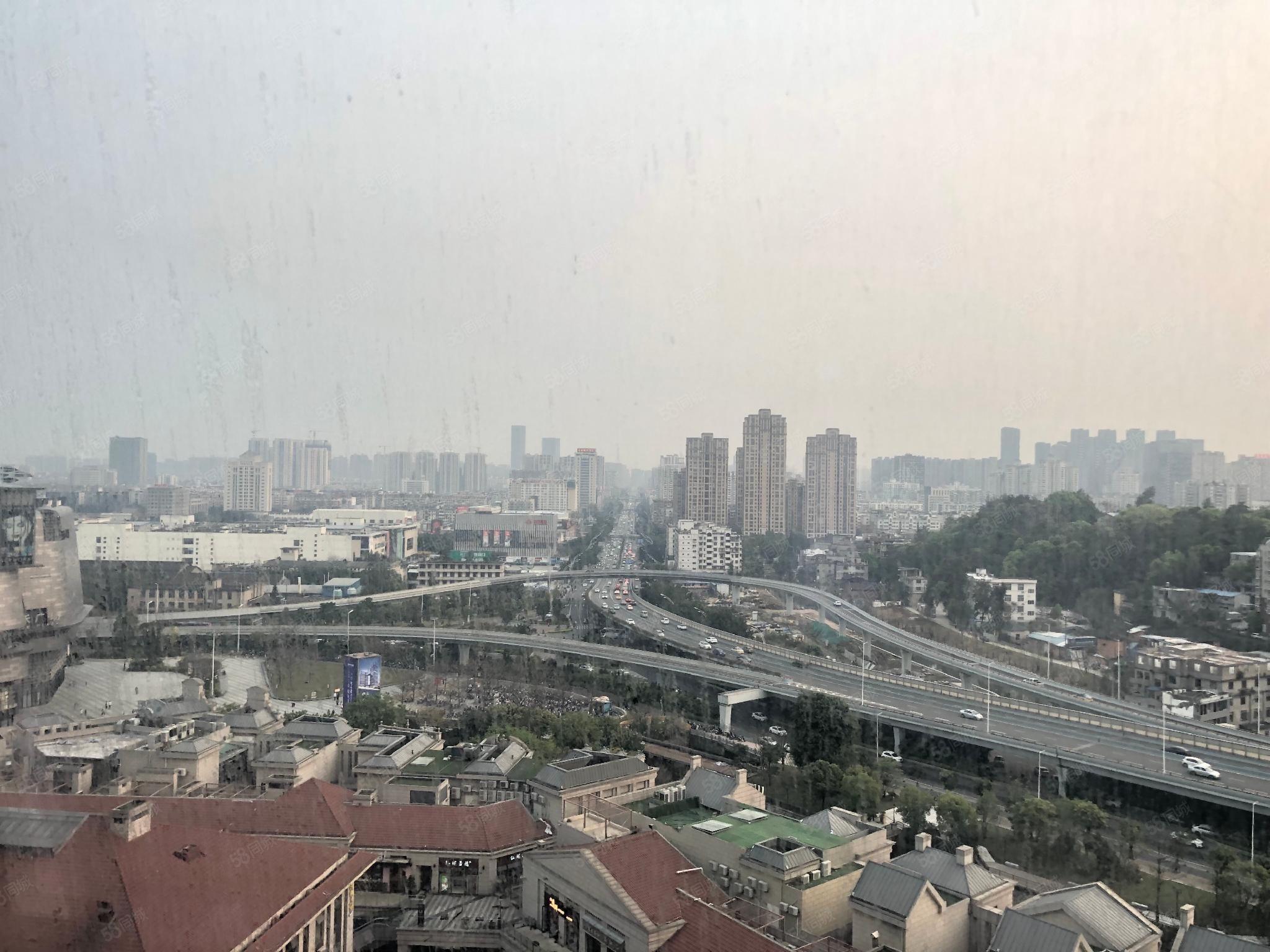 东泰禾4.5米层高使用70平米毛坯朝南95万抛售