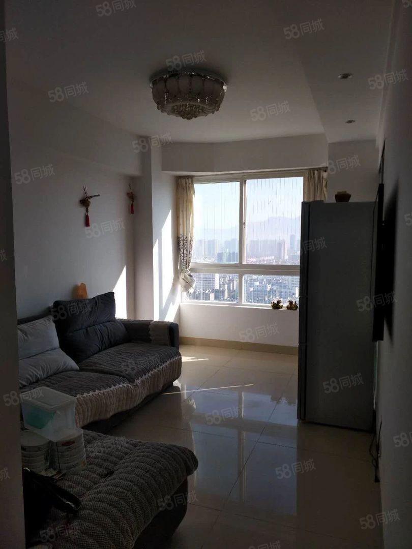小庙街附近财富时代24楼带家电家具2室全新装修诚心