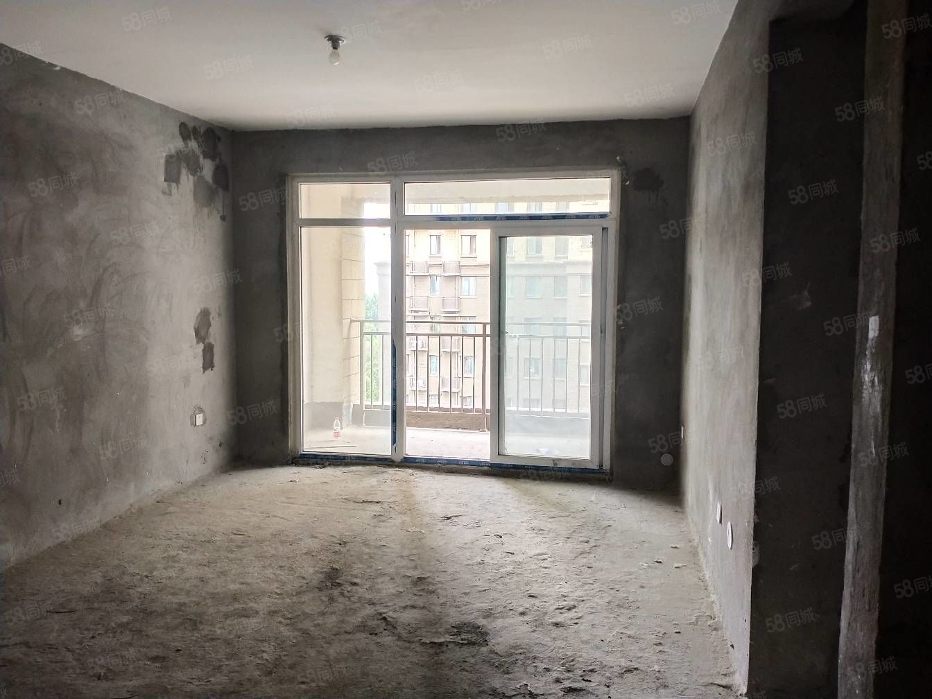 东来尚城电梯中层观景温馨小三房前后无遮挡