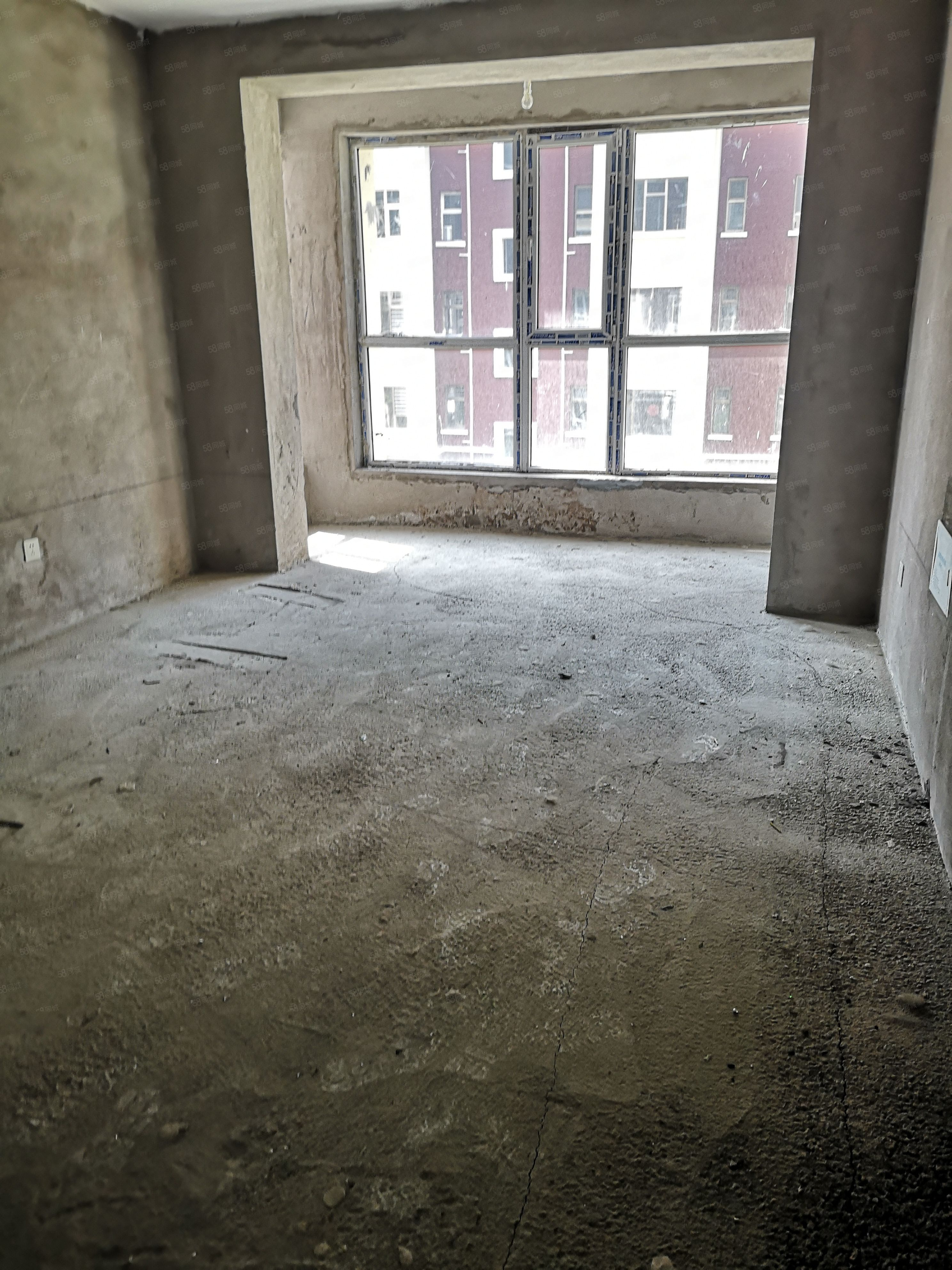 賠錢出售西山庭院120平米3樓費用全清帶20平米地下室