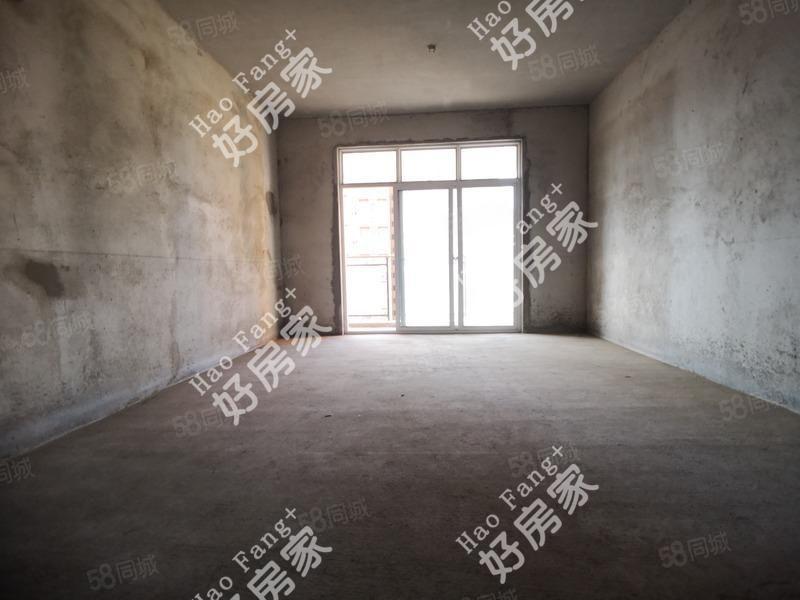 城东卡斯迪亚毛坯大三室单价4900可按揭南北通透
