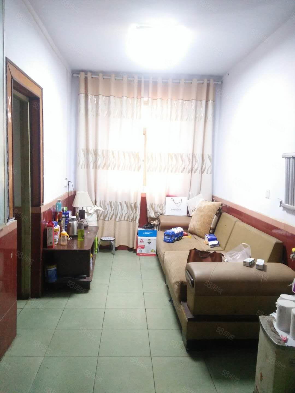 清真寺附近三室两厅简单装修简单家具家电价格便宜速度