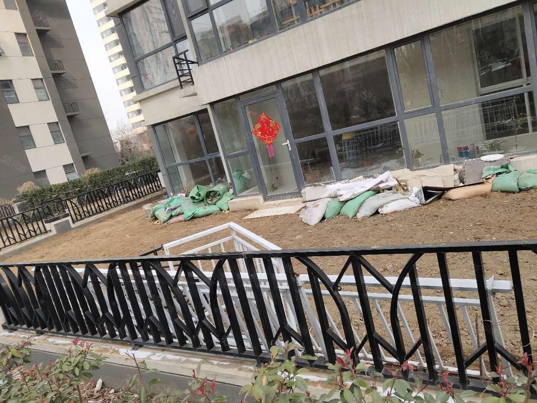 火车站改造片区悦蓝山一楼带大院子带配房精装修可贷款随时看房
