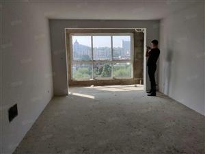 可分期五洲三期前排观景房,124平三室两厅走一手房开口费已交