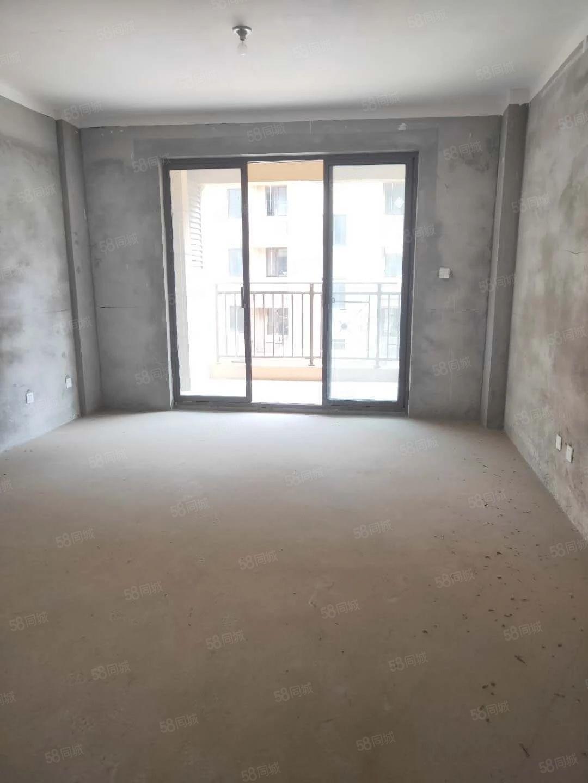房型超正,客厅朝南,厨卫朝北权清晰,有房本随时过户看房有钥匙
