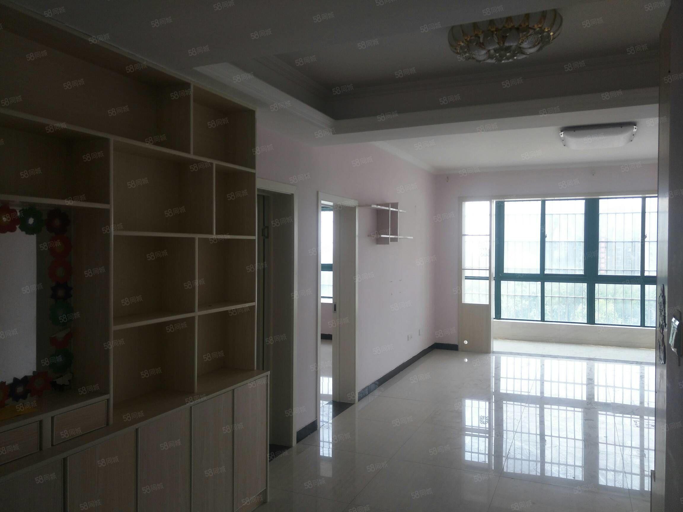 急售世纪新村10楼三室两厅两卫精装距五小二中300米