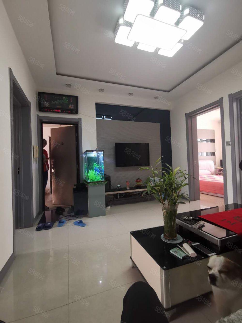 圓夢房產公路段吉瑞小區3樓65平35萬房本過五