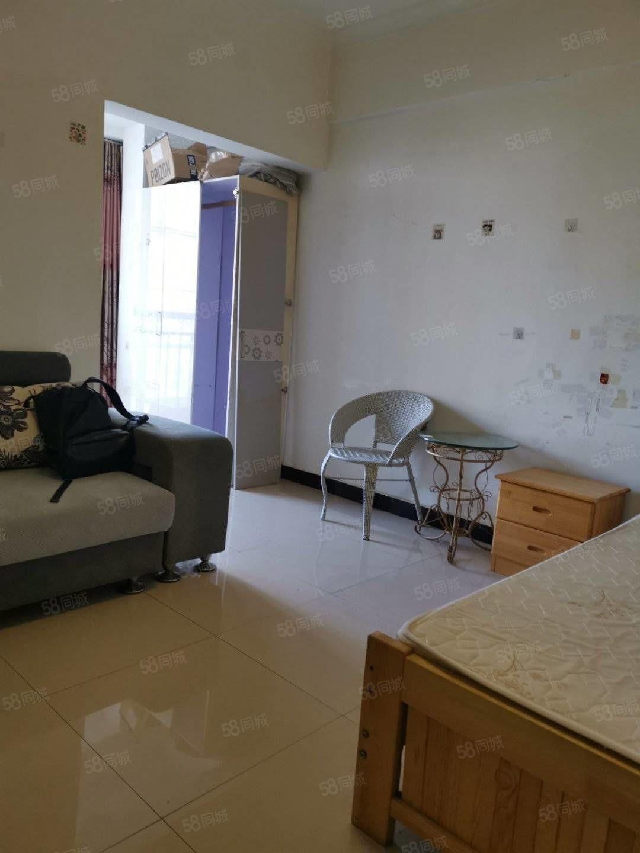 公寓出租,户型好,生活方便
