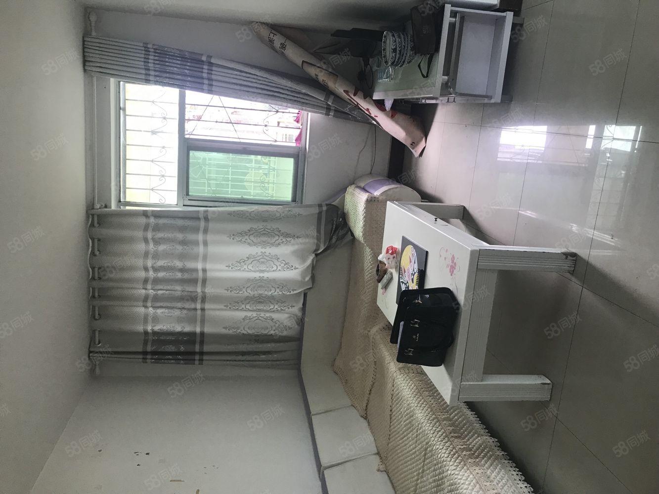 莲湖路性价比高的大2室东城三号小区仅售26万