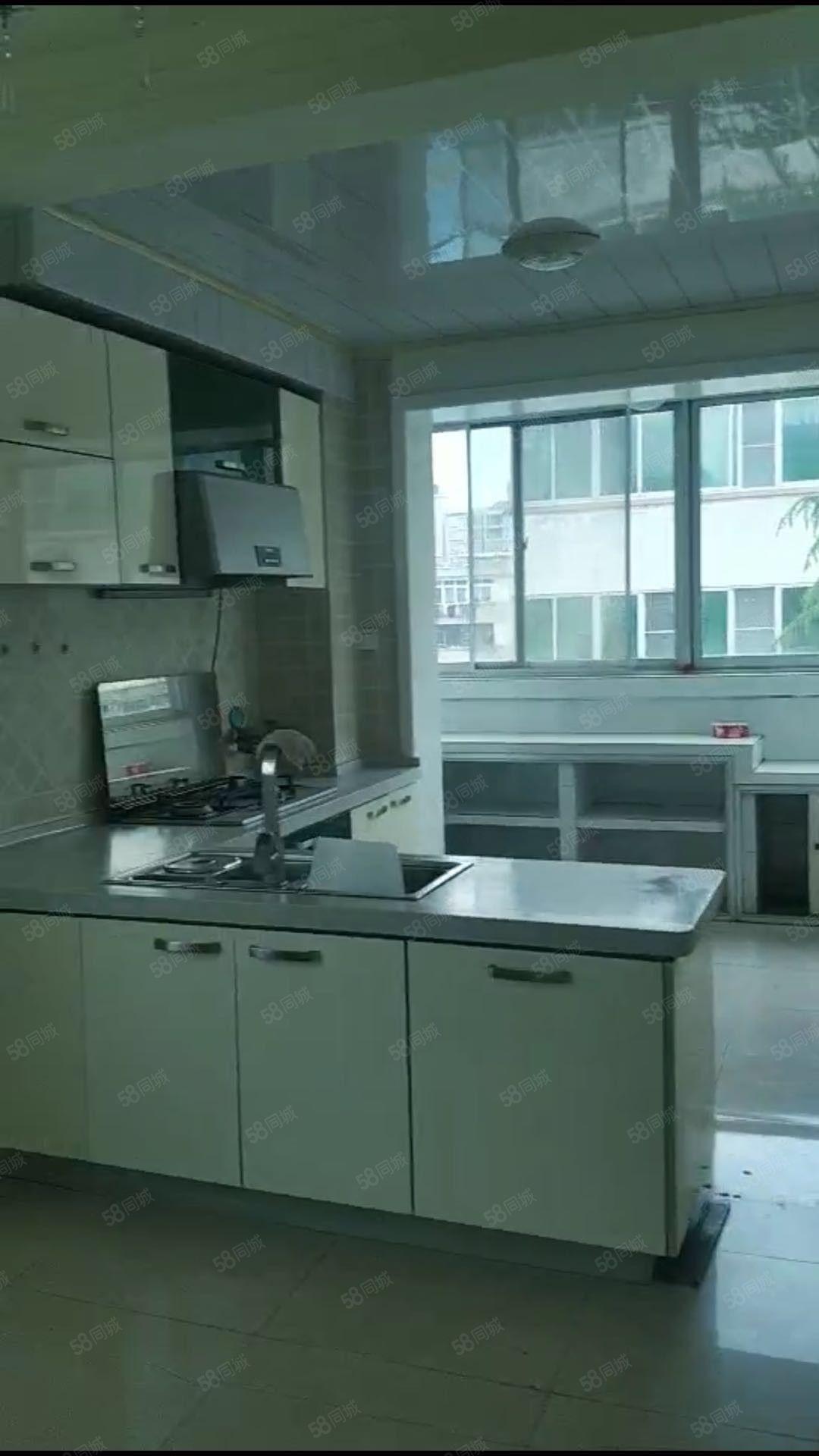 兴汉小区多层三室5楼超低价格出租