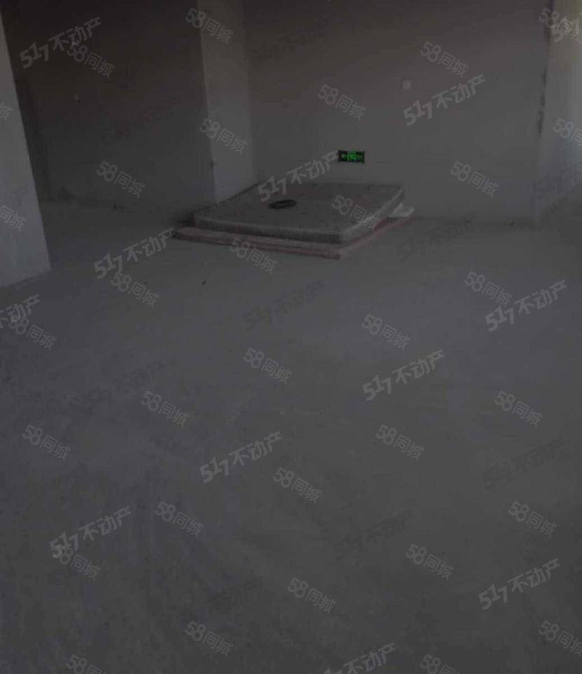 大禹城邦3楼115平64万毛坯可更名可贷款