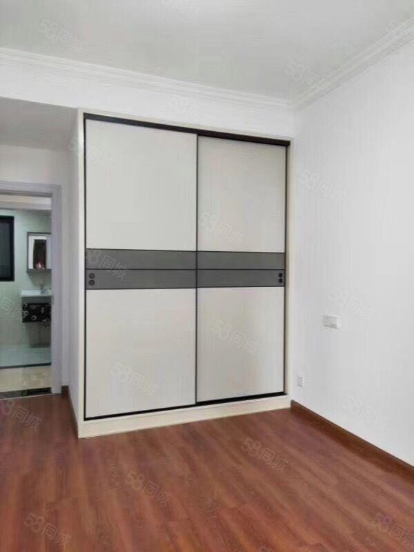 出售保利1期,高層,136平米,白坯,快滿2年,129萬