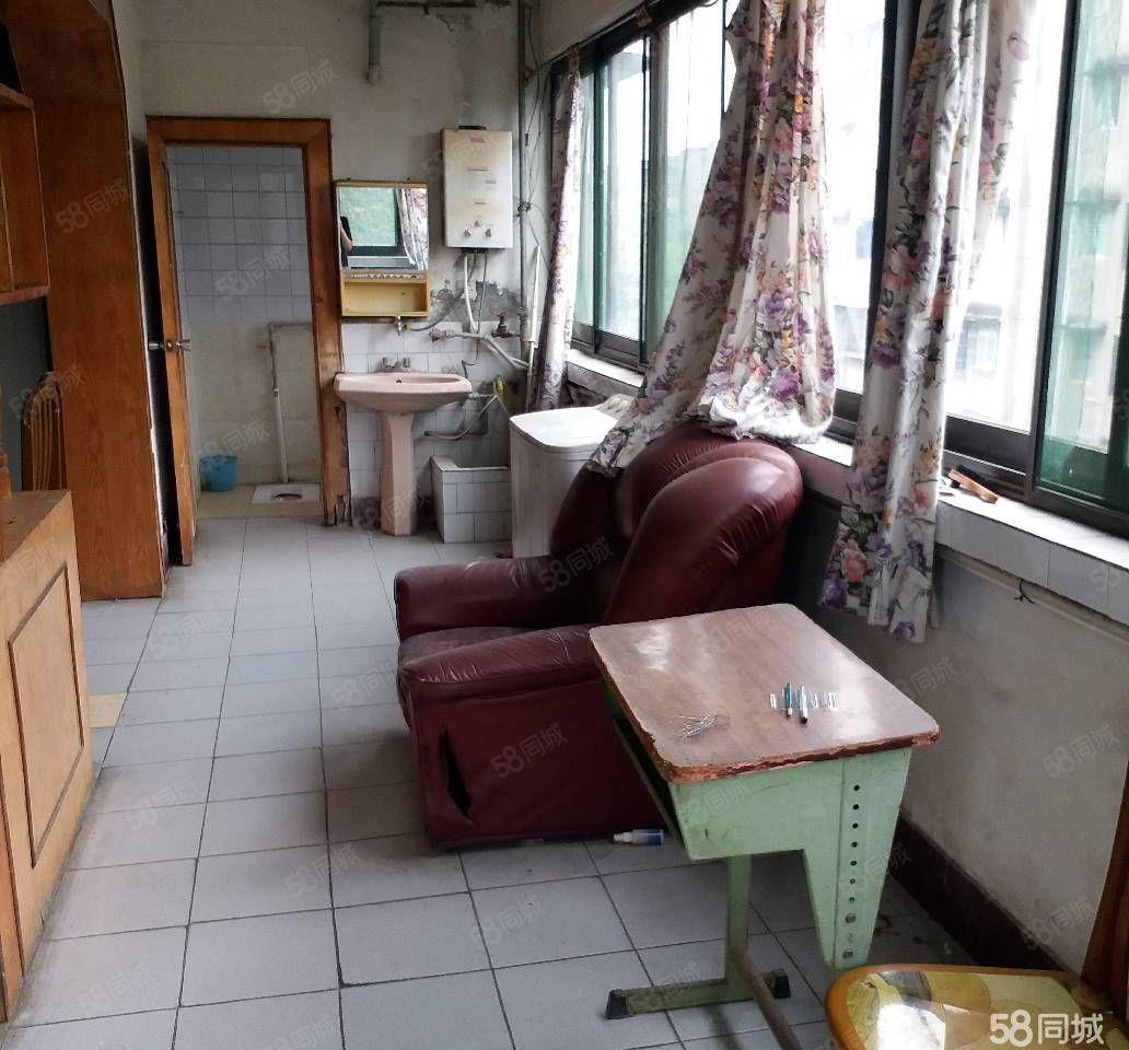 南山中学近756单位房三室两厅带阳台