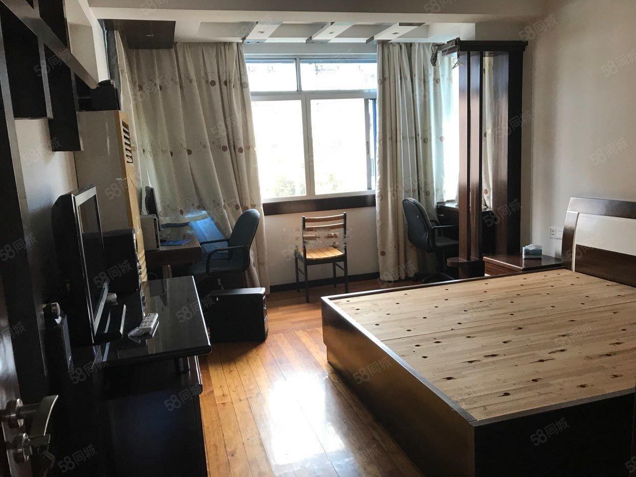 西园新村2室2厅1卫