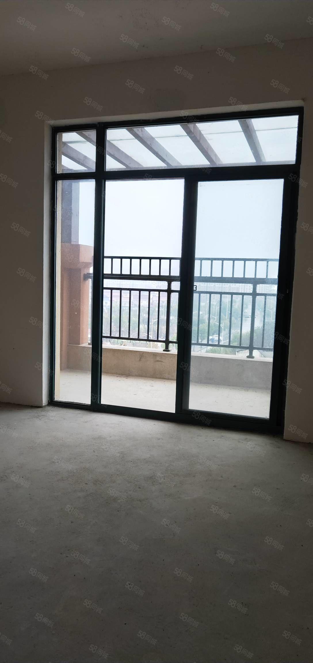 西小學趣新房,陽光無敵,客廳通陽臺,送生活陽臺送七樓不算面積