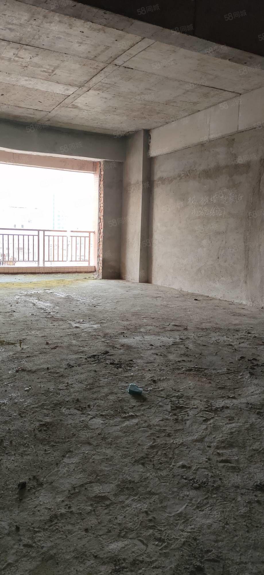 2017年建电梯商品房4200一方包过户