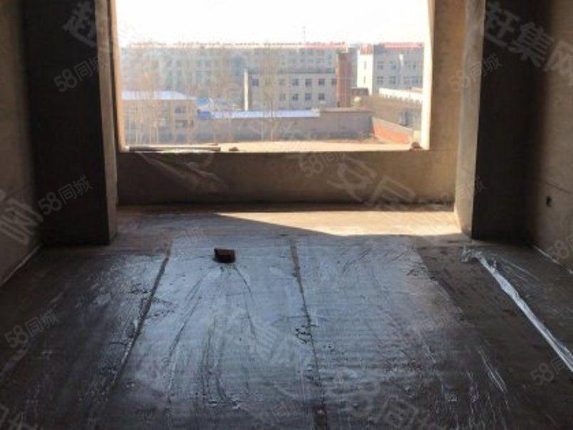 花溪地六楼带阁楼100平米36万三室通透