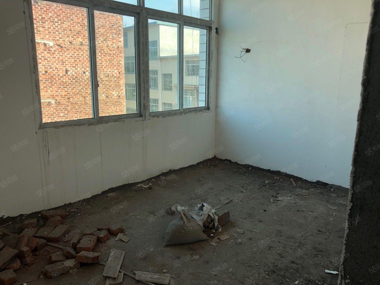 沿河?#19979;方?#36817;200个平方六楼已做隔热实惠出售