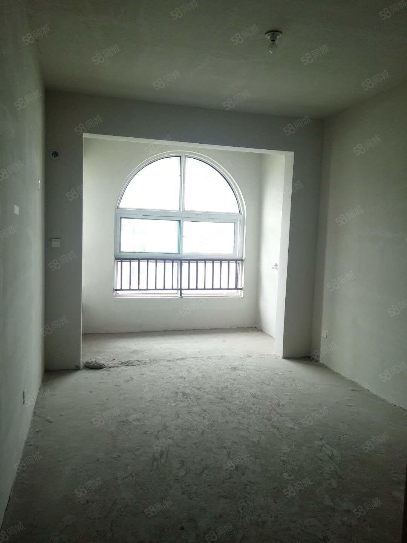 业主急售价格可议龙城御园新小区电梯房三室可贷款过户