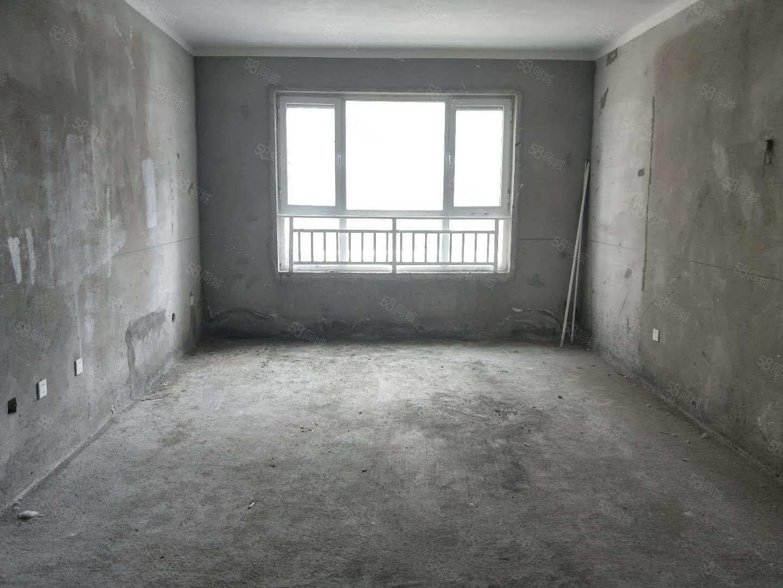 首付20多买青屏苑三室房,满五唯一,随时过户。