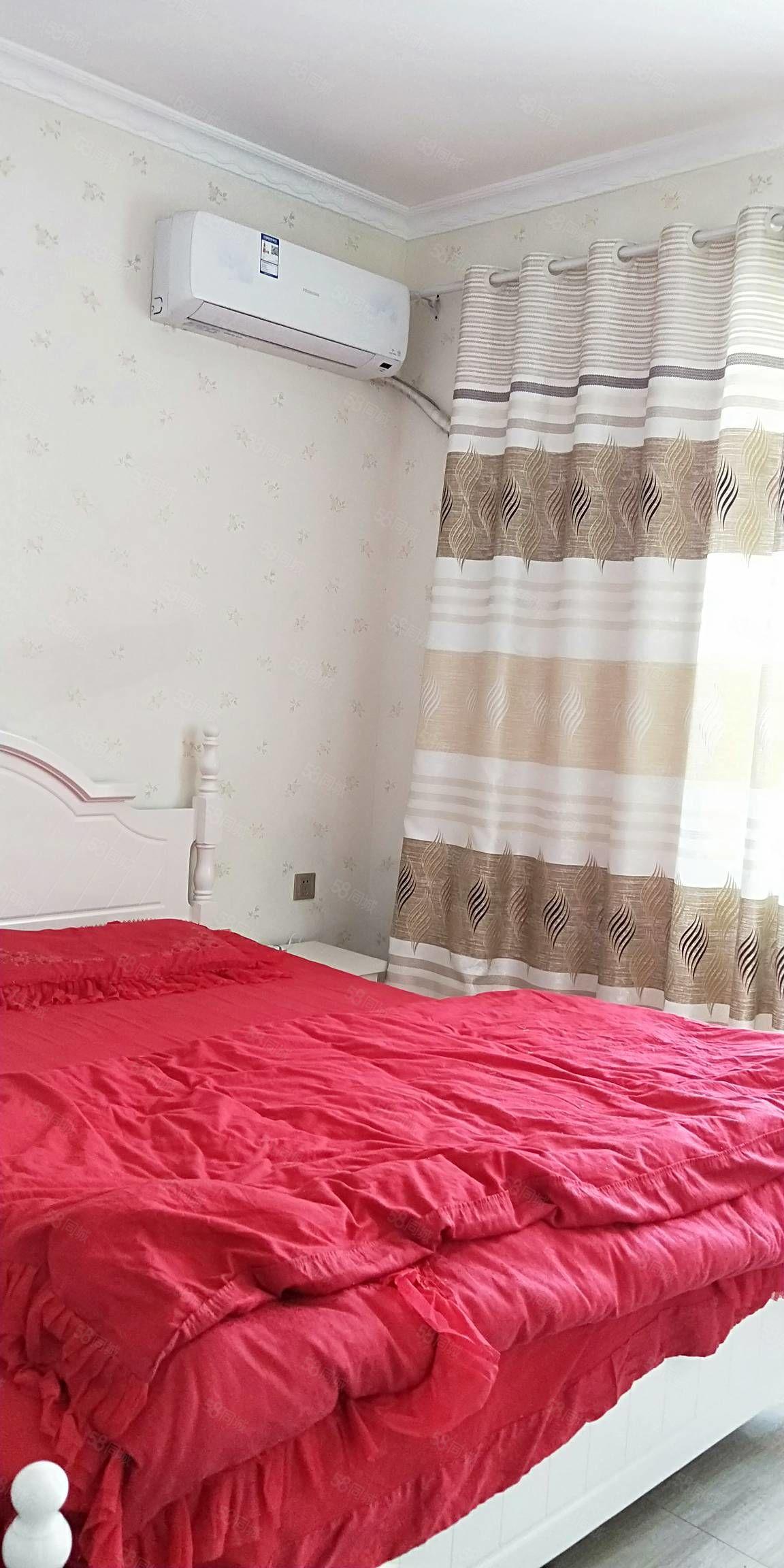 濱水花苑1室1廳,精裝修,全新家具家電,拎包入住,首次出租。