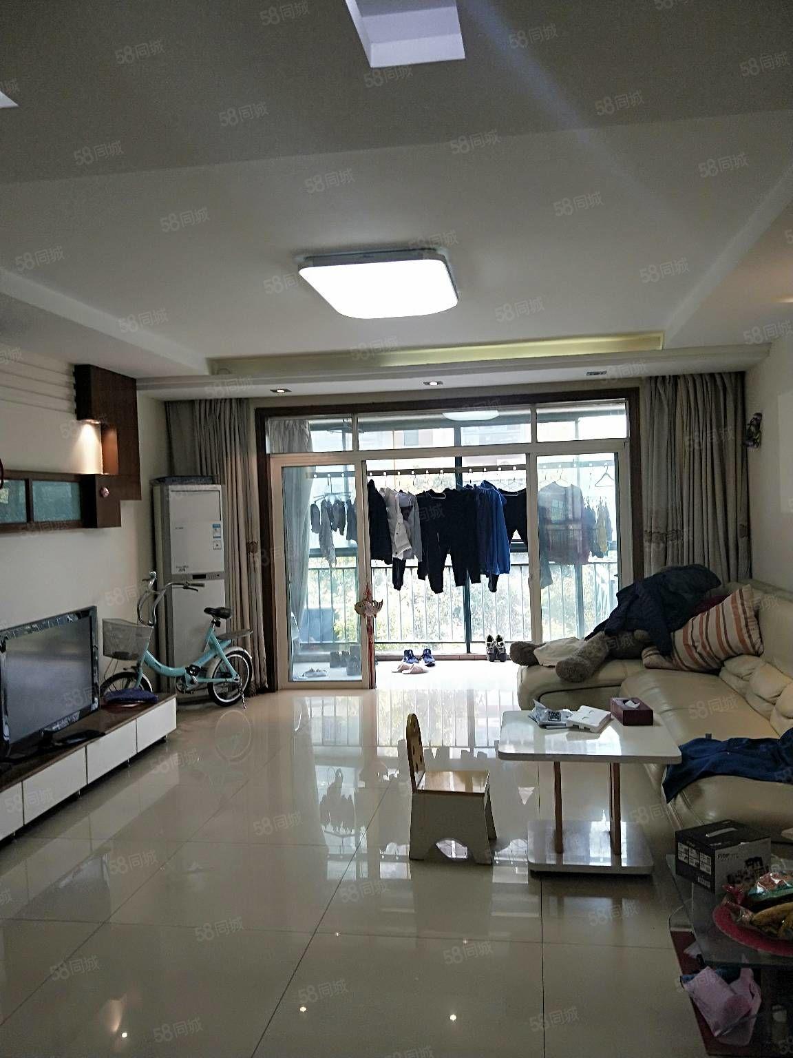 长江花城一期挑高一楼西边户四室二厅二卫储藏室