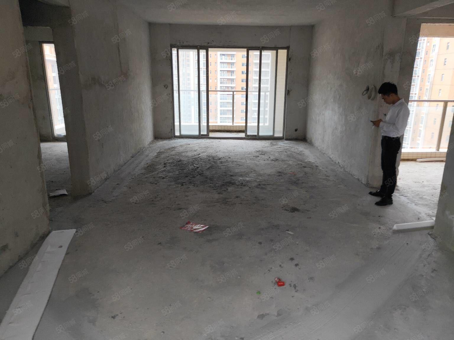 怡景湾大户型4室2厅3卫