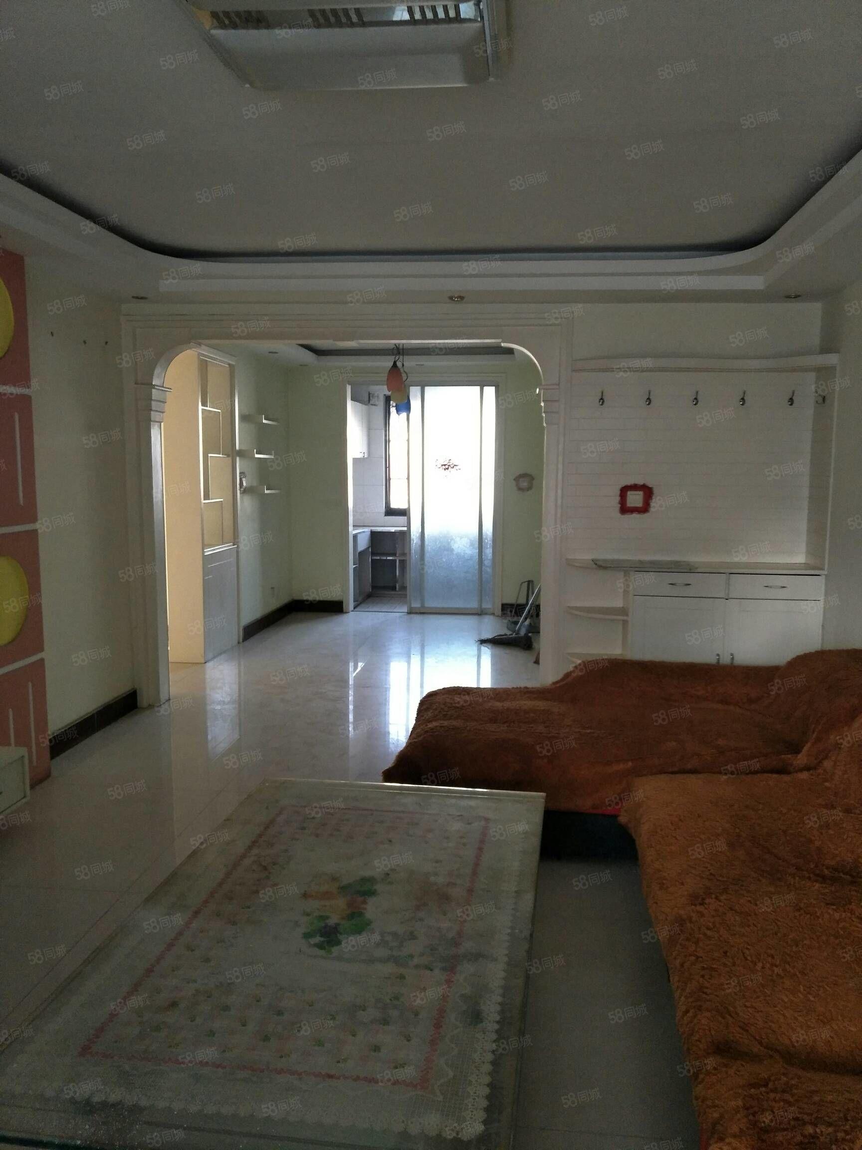 急售金鑫城市花园3楼125平米精装,送储藏室可分期