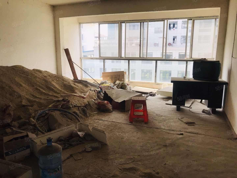 陽樂大道農業銀行 恒茂大廈電梯房中層三房 帶車庫全產權73萬