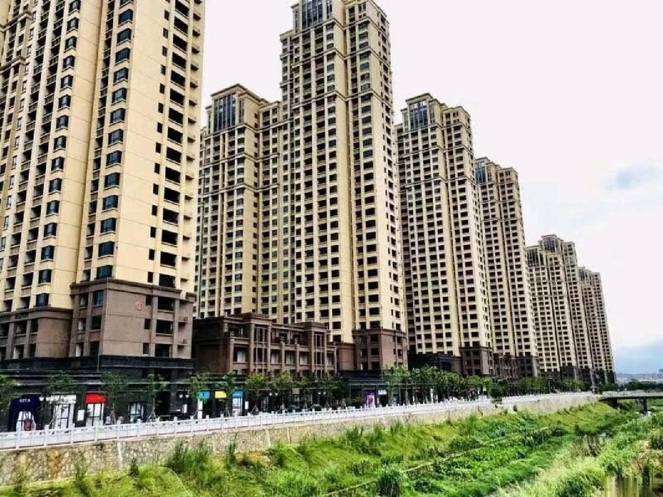 首付13.5万起买国企龙岩美伦东锦缘一手新房3房。