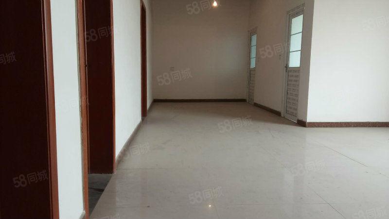大三室两厅两卫,新装修,未住,买到即可入住。