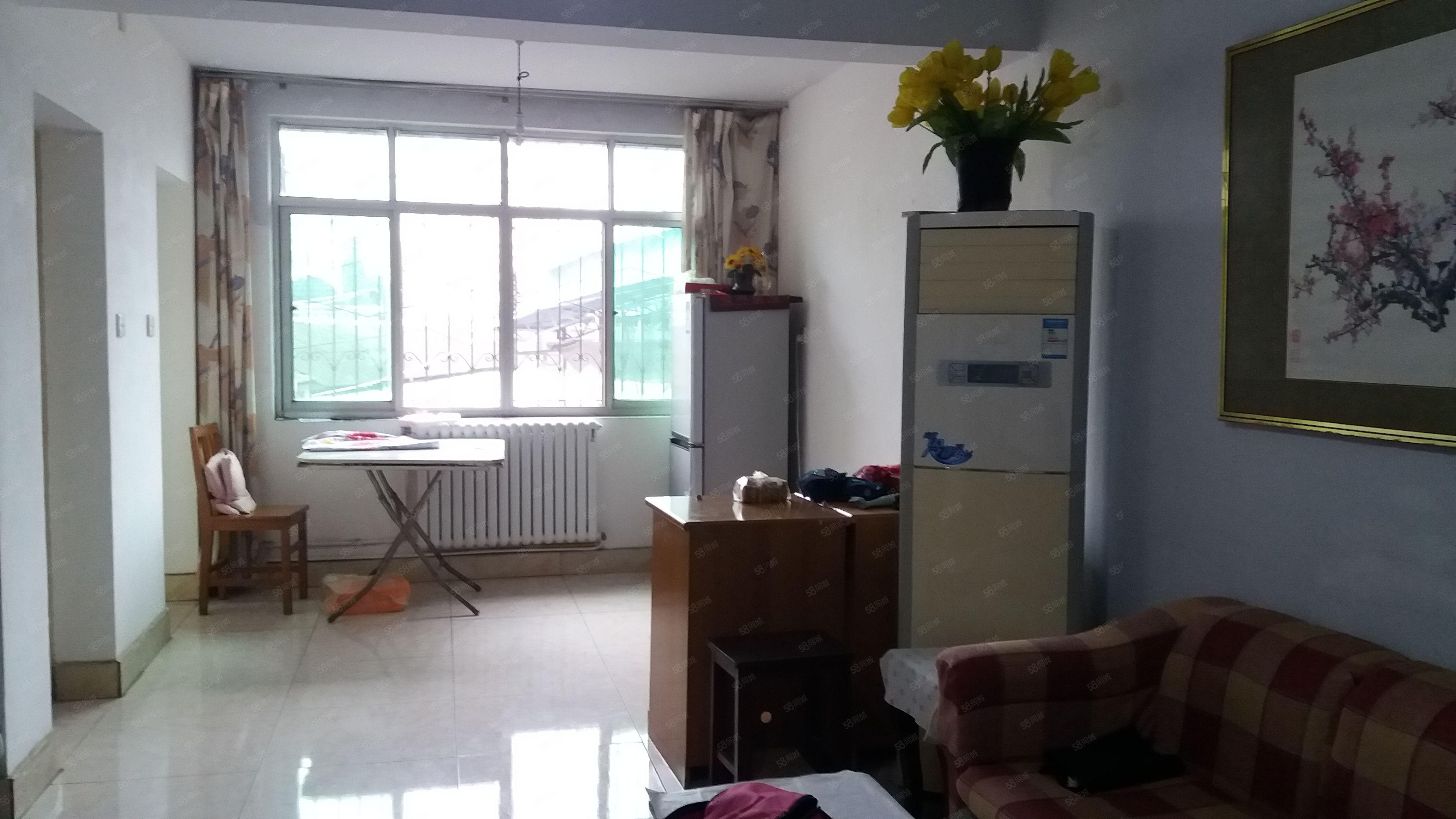 急急!上班上学2楼精装两室带家具家电有壁挂炉送柴房