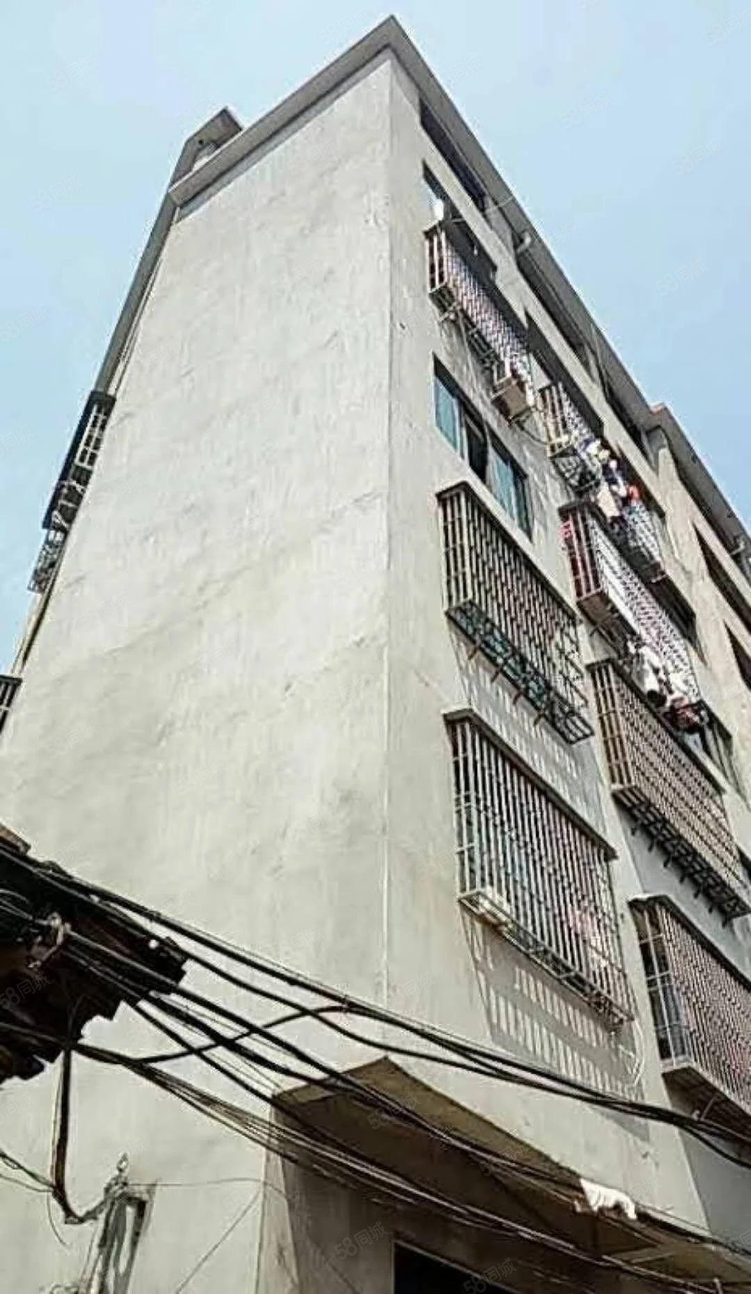 来了,好料,东方医院对面一整栋无证4层半,地100平,4套