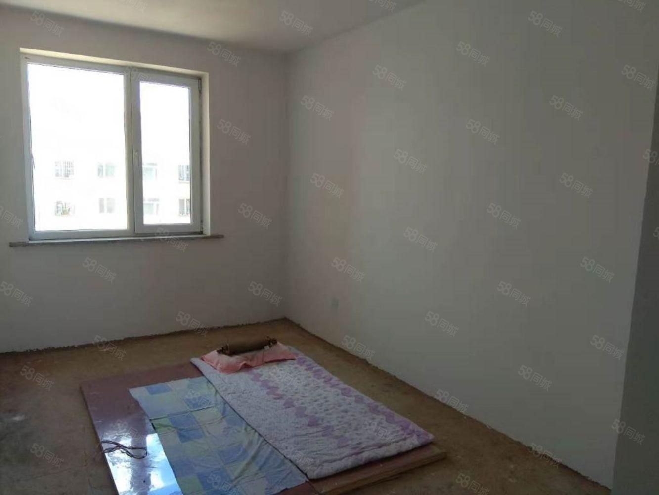出售欧韵蓝湾5楼61平米南北卧室毛坯房,全款10.5万