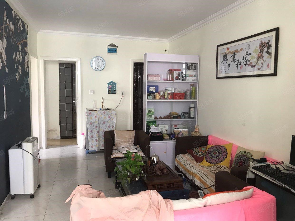 陵園路竹林新村三樓,精裝修,可貸款,周六下午統一看房。
