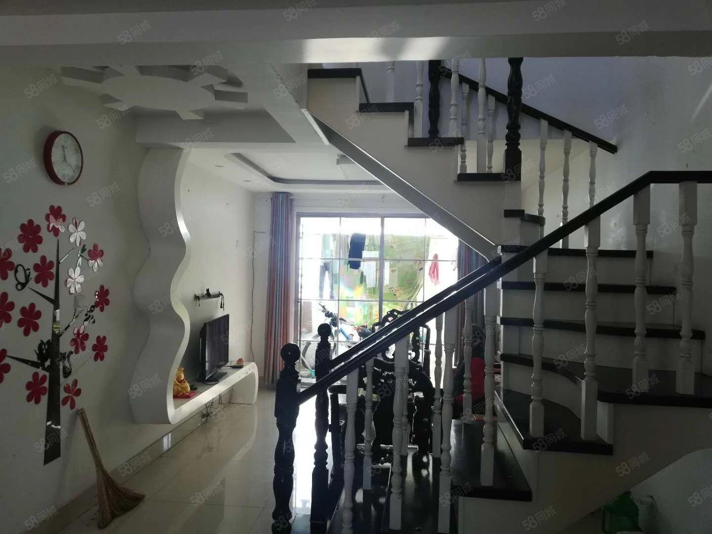 昊宇花园复试四室两厅两卫带两个平台可贷款
