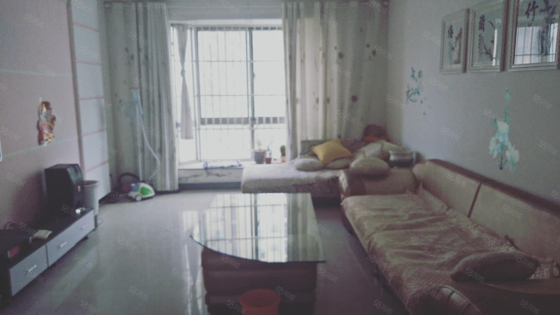 公务员A区,步梯2室精装出租,南北通透,1300,年租.