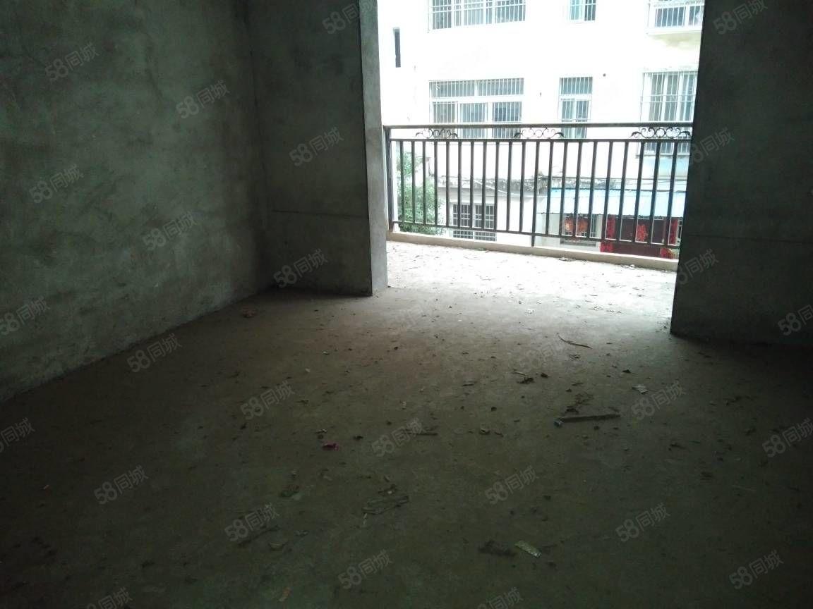 新出亿龙春天毛坯两房,楼层好,税少房源!钥匙有随时看房!降价