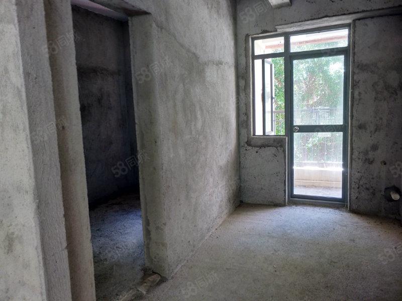 中惠沁林山庄平层毛坯房,证过五年