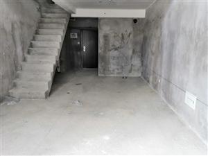 万益广场楼中楼3房带露台读双十地铁6号线首付仅20万