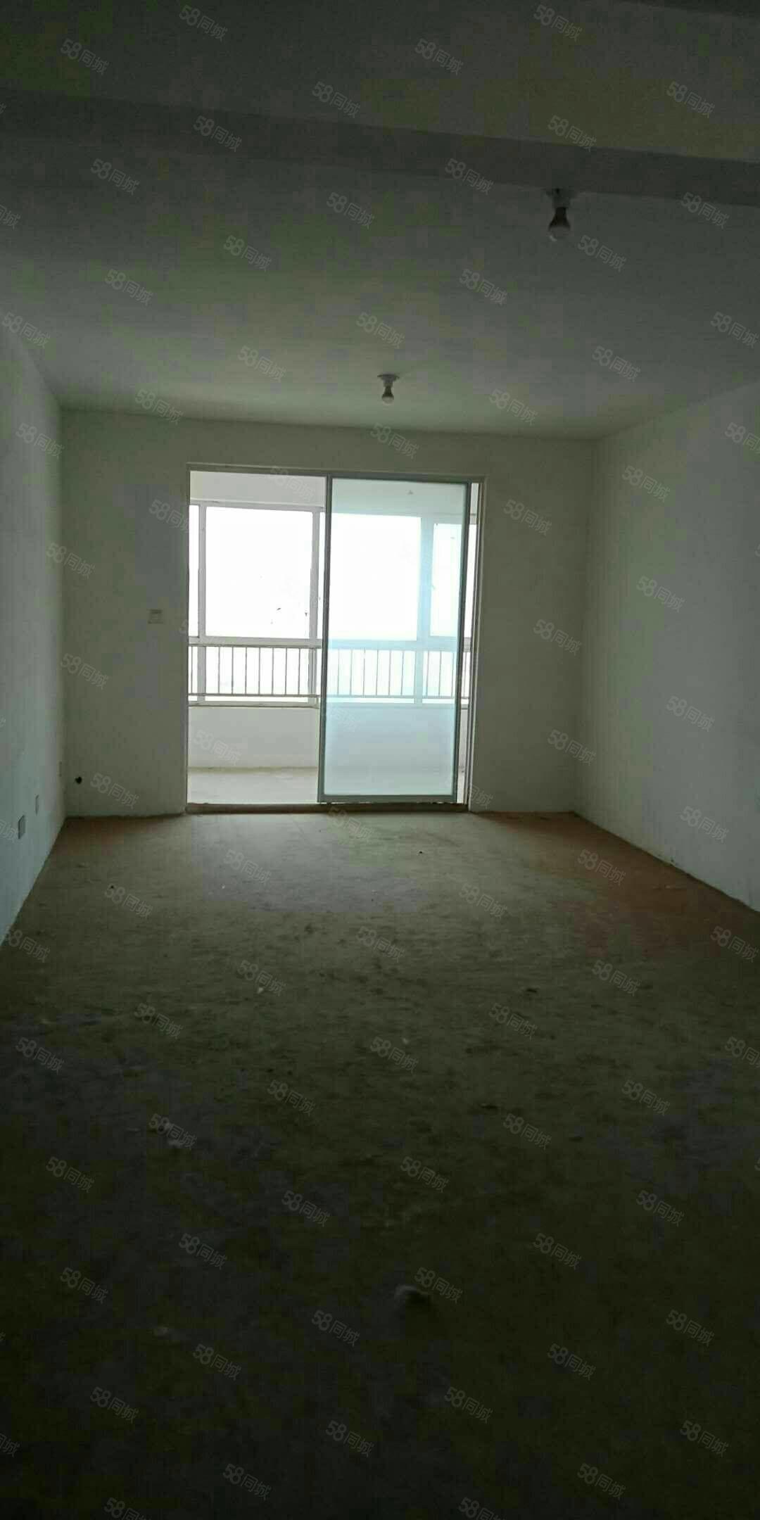 出售百世帝景10楼132平,3室2厅2卫,南北通透,有储藏室