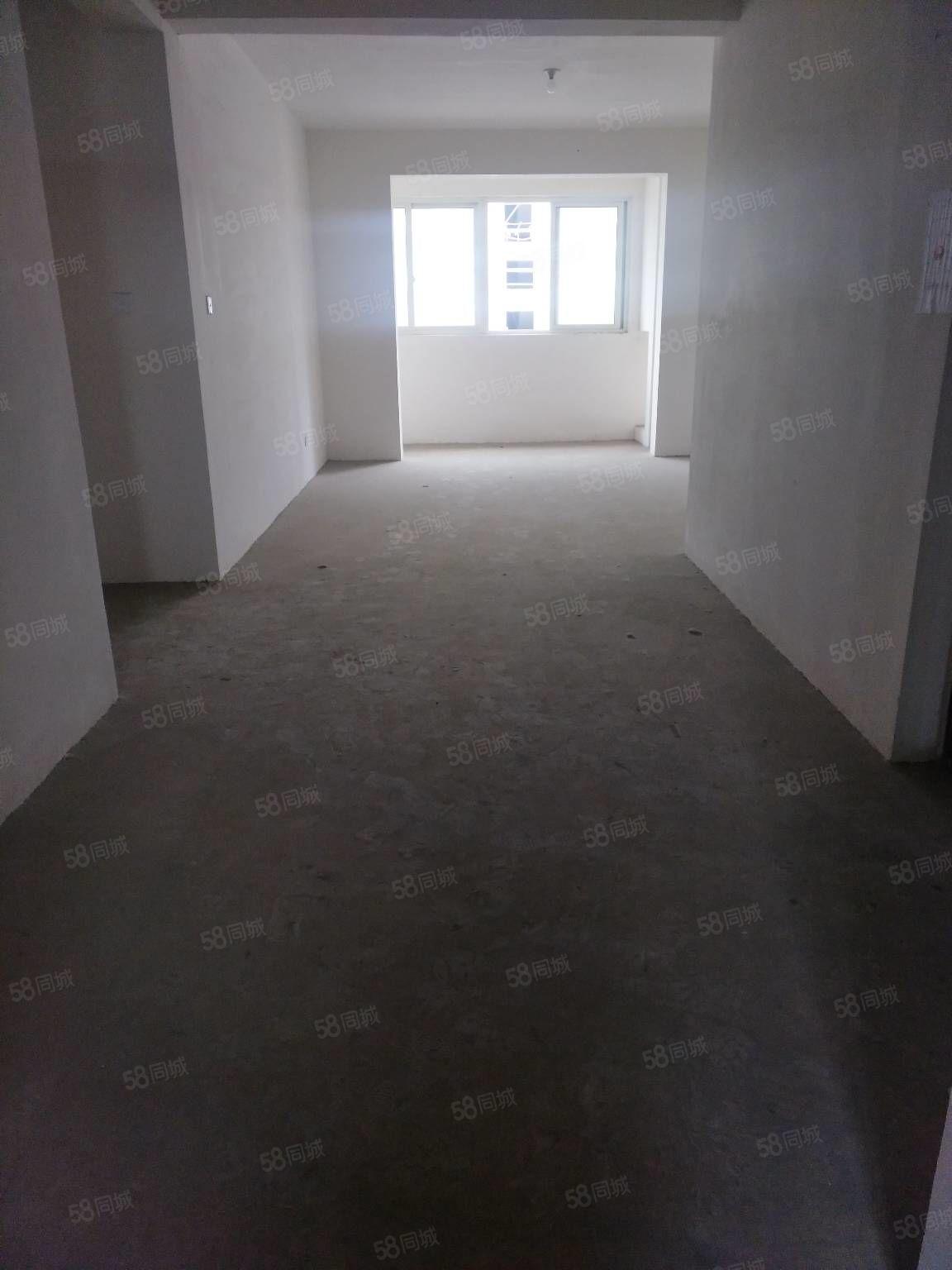 新民花苑2楼122平车库9平新空房116万看房随时