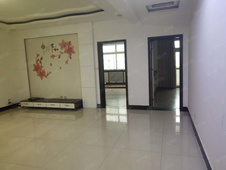 河津市二中旁邊三室兩廳精裝修